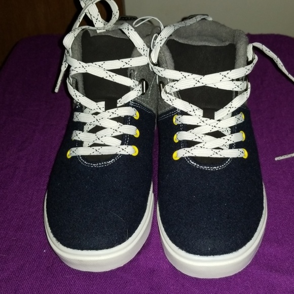 Cat & Jack Other - Boy's High Top Sneakers Size 4 New